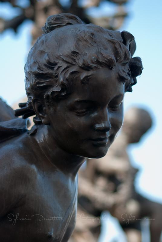 Visage d'une statue