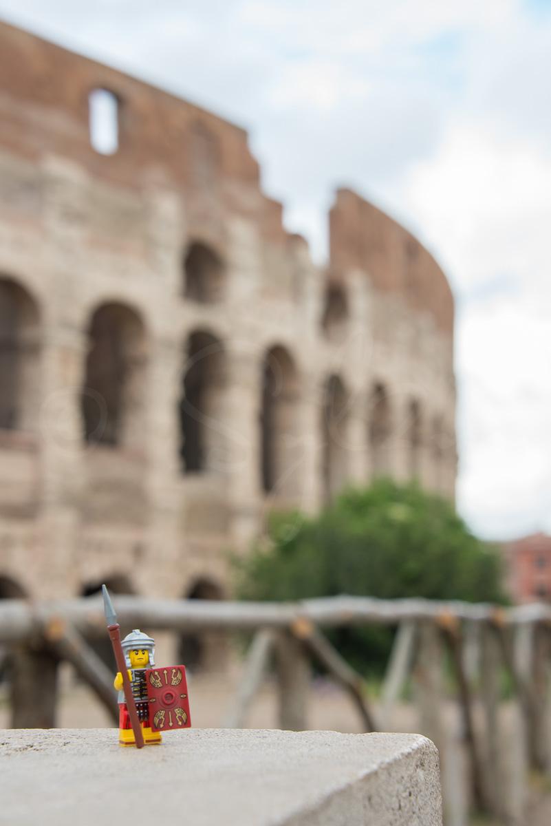Centurion devant le Colisée