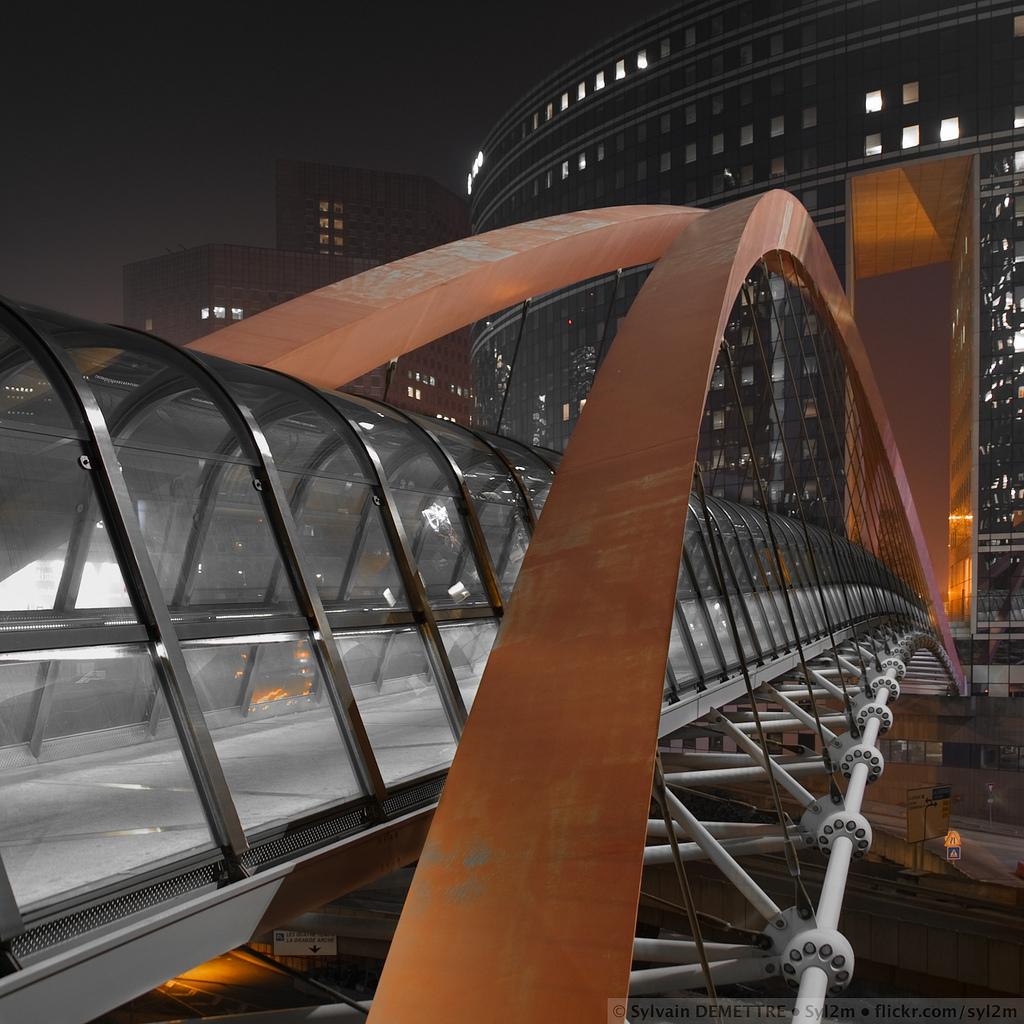 Japan Bridge La Défense Paris