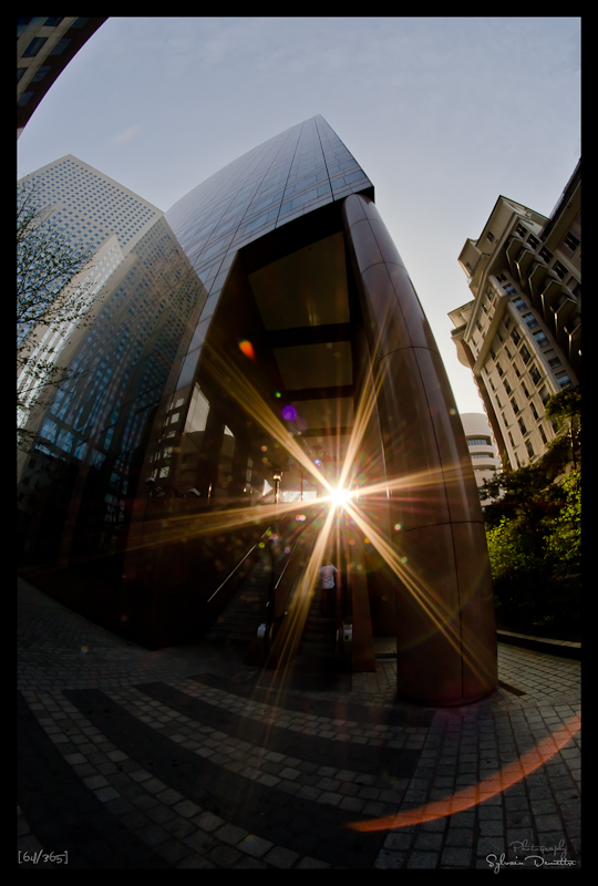 Tour et sun flare La Défense Paris