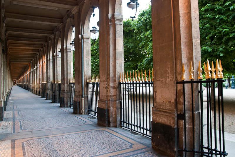 Les arcades du Palais Royal - Paris